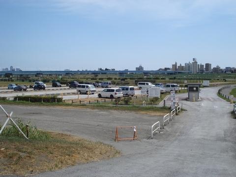 二子玉川緑地運動場 駐車場の画像